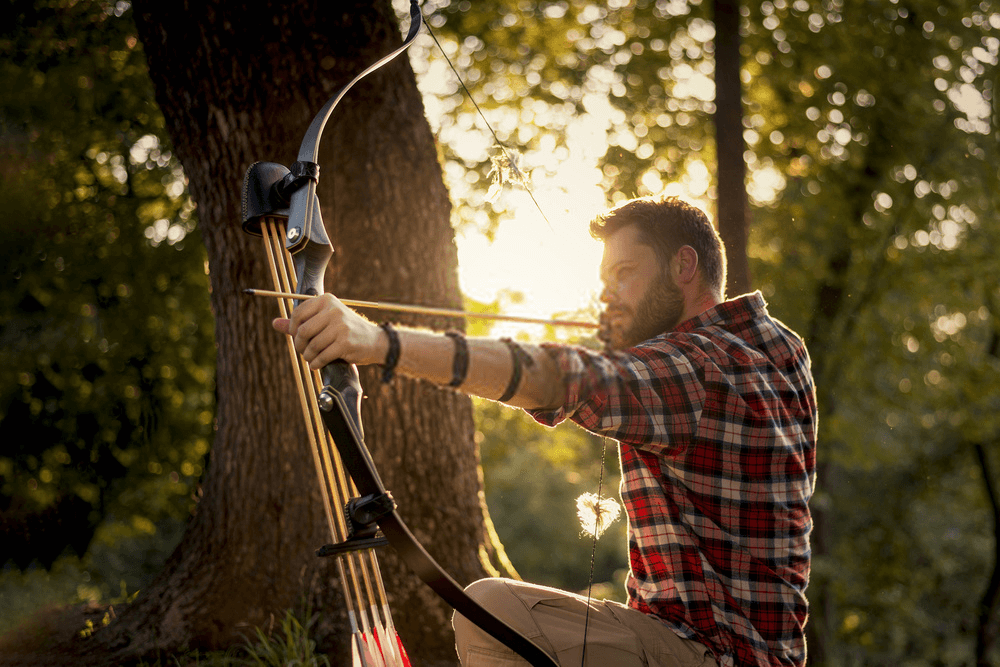 Recurve Bow hunter